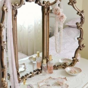 8 // Boho // Heirlooms // Mirrors & Artwork