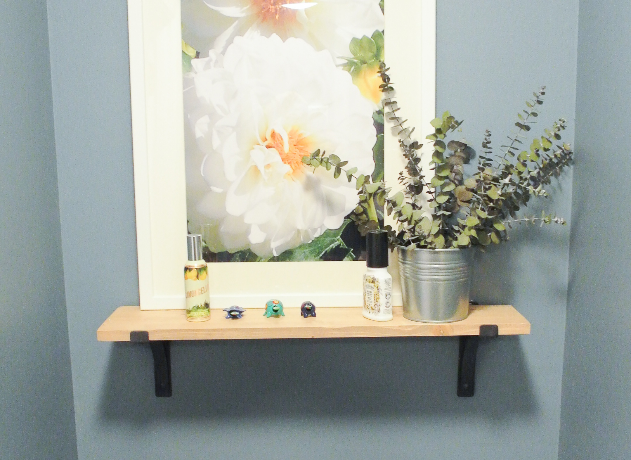 House Tour // Powder Room To Laundry